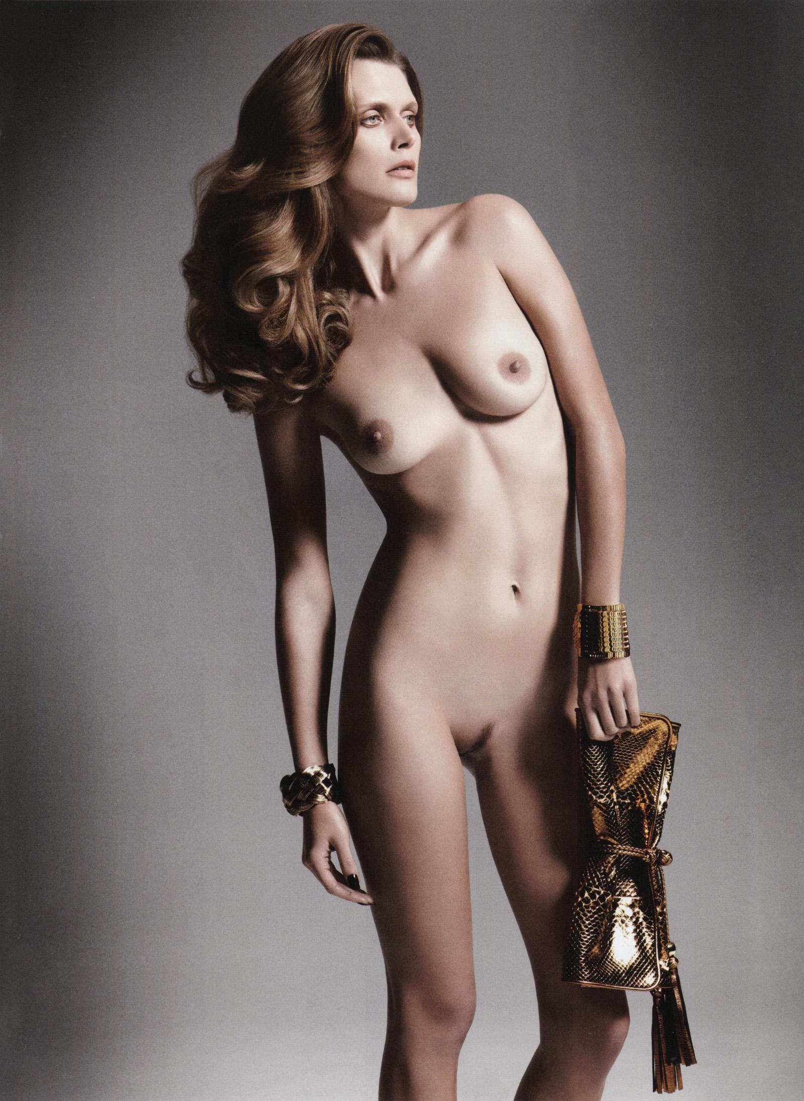 Фото голых моделей на показе 18 фотография