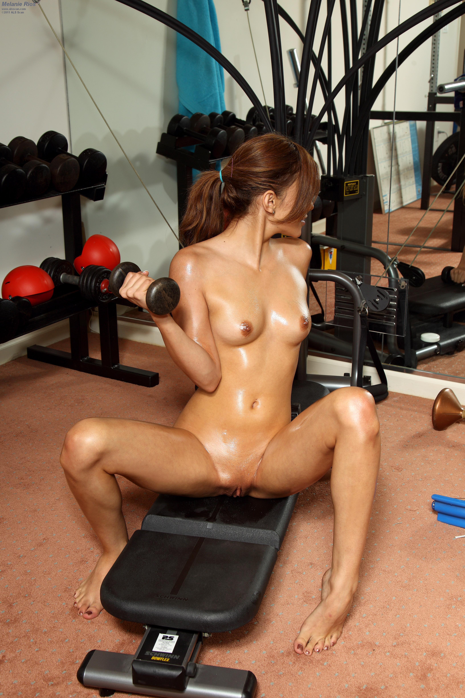 Русский секс в спортивном зале 9 фотография