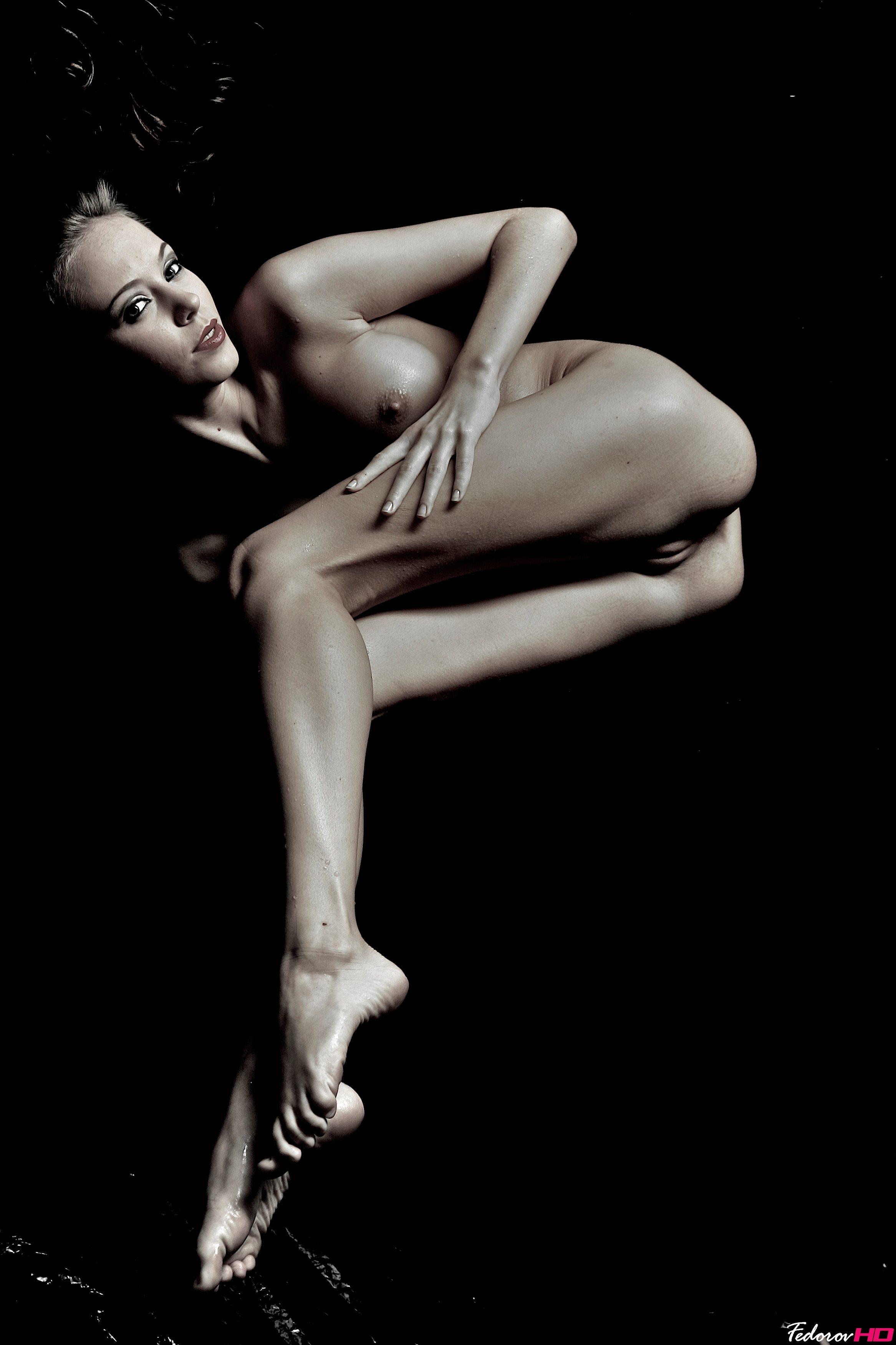 Фото голых девушек  Голыеру