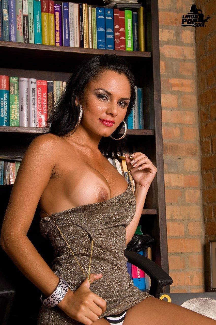 Show erotico sara jofre chilena desnuda en vivo