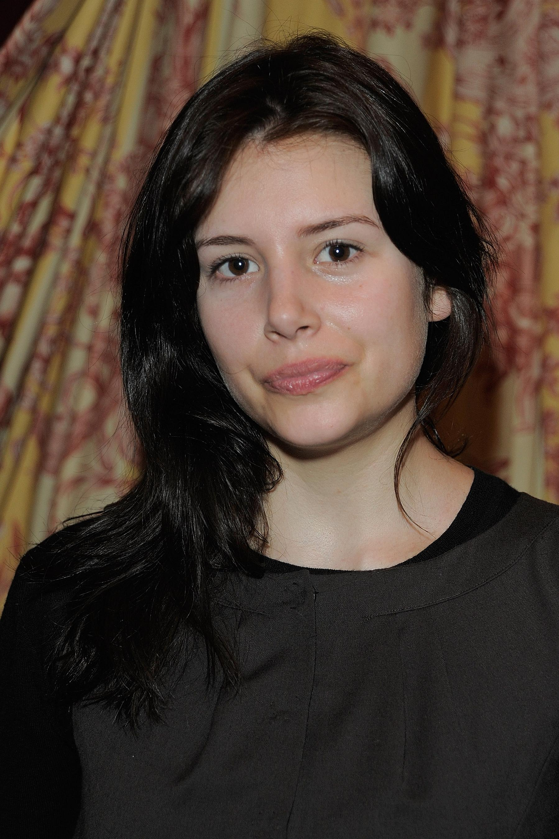 Louise Monot - Wallpaper Actress