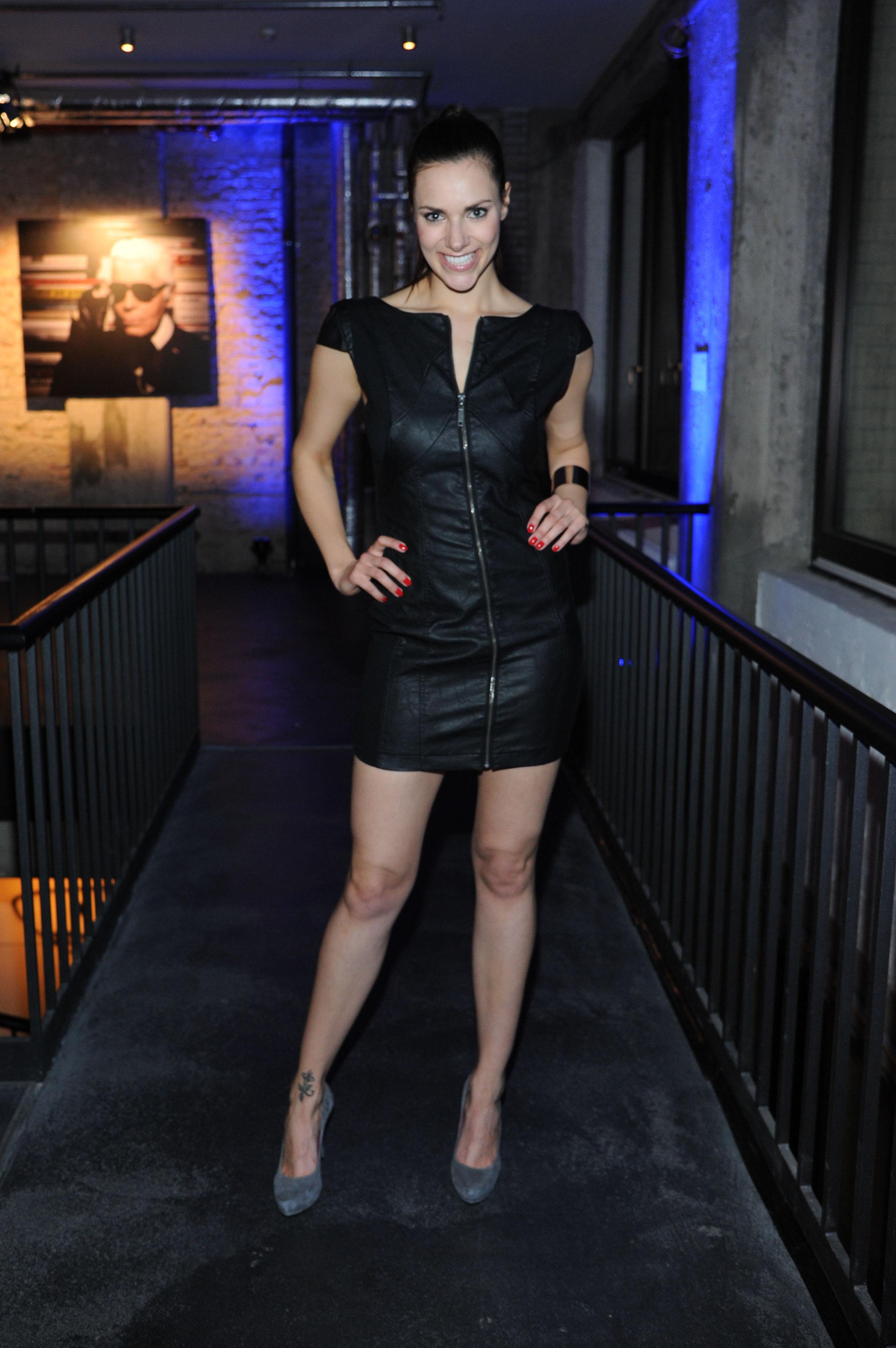idol celebs com Esther Sedlaczek 110407 09