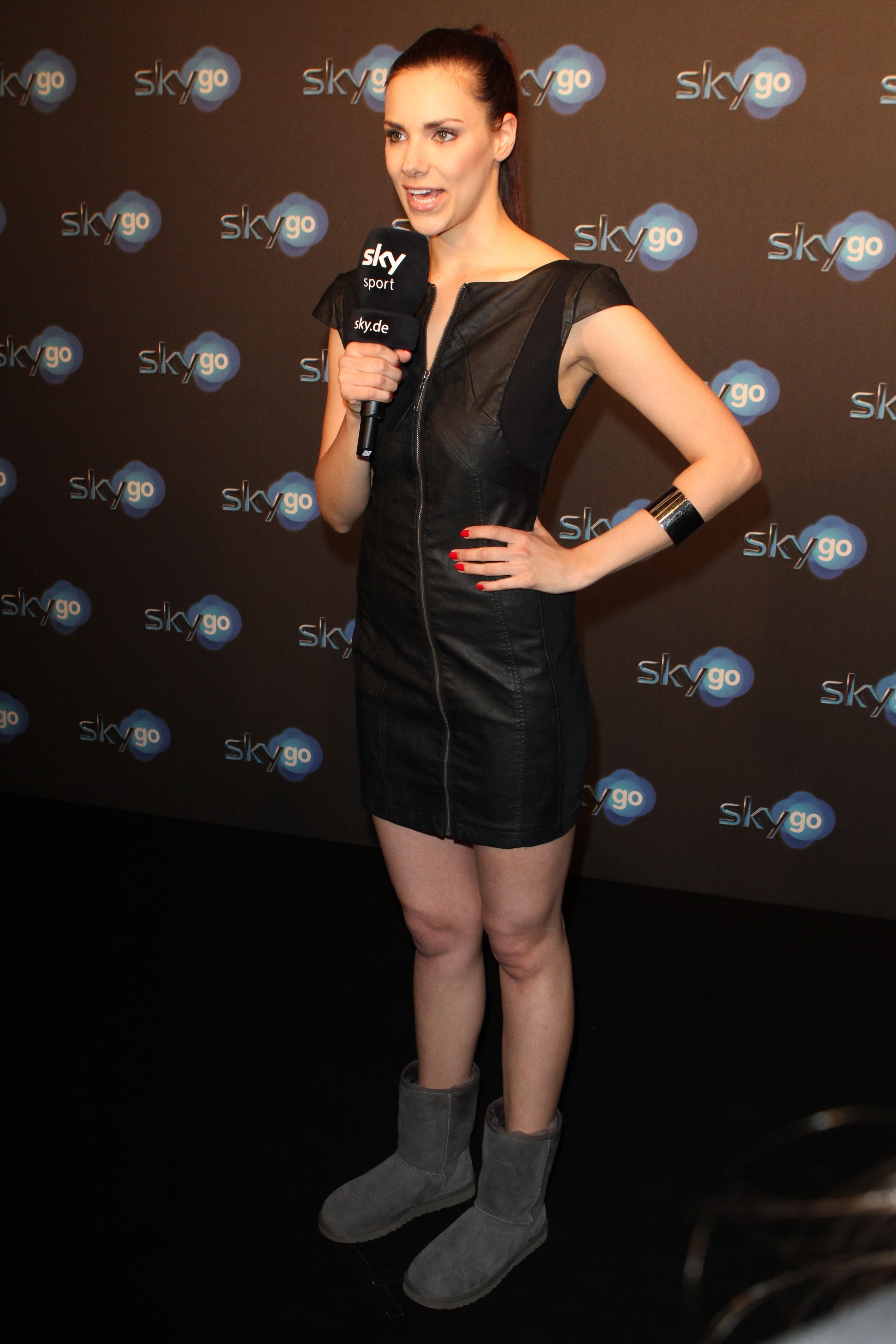 idol celebs com Esther Sedlaczek 110407 22