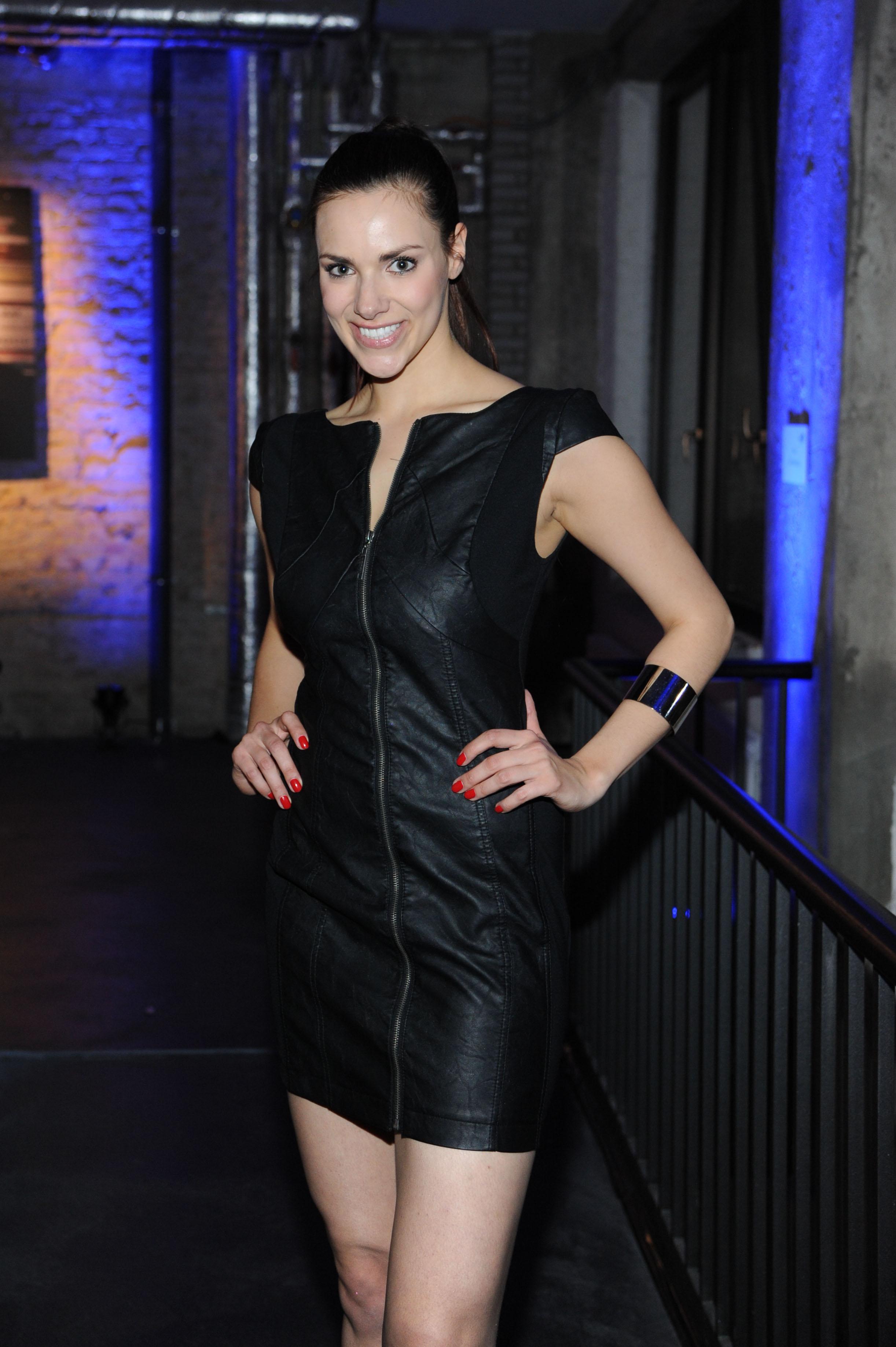 idol celebs com Esther Sedlaczek 110407 11