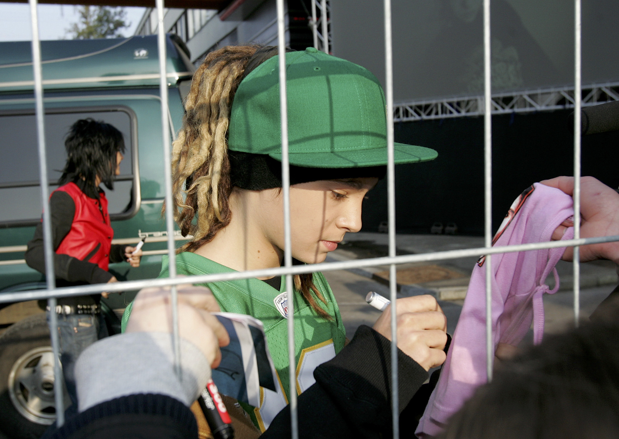 March 18 2006 Zurich Signing 02